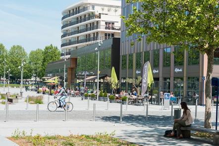 photo du centre commercial les rives de l'orne a Caen